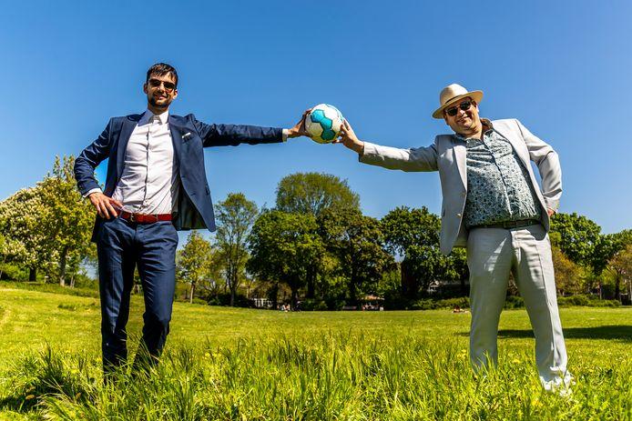 Pieter Schenk (links) en Ruben Blokhuis van Kelderklasse 15: ,,We hebben er ineens zóveel volgers bijgekregen.''