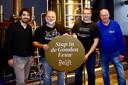 Delftse bierbrouwers slaan de handen ineen voor de viering van de Gouden Eeuw van Delft in 2019. Van links naar rechts Ard Mulder (De Bierfabriek), Rolf Katte (De Koperen Kat), John Brus (Delftse Brouwers) en Aad van der Hoeven (Bierhistorie Delft).