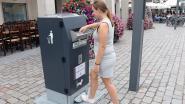 Sprekende vuilbak aan het stadhuis bedankt gebruikers