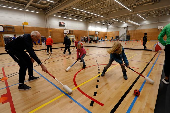 Bij de opening van de Erasmushal werd gisteren volop gesport.