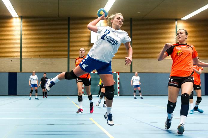 Handbal Lettele verder met Henk de Boer.
