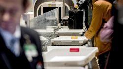 Kat verstopt zich in bagage van baasjes die naar New York vliegen