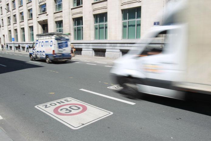 Devra-t-on bientôt rouler à 30 km/h presque partout à Bruxelles?