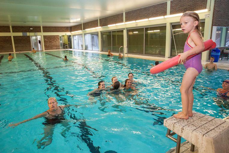 EDUGO campus De Brug geeft vanaf september 2019 het zwembad Rosas een nieuwe invulling en zal op die manier 150 extra plaatsen creëren.