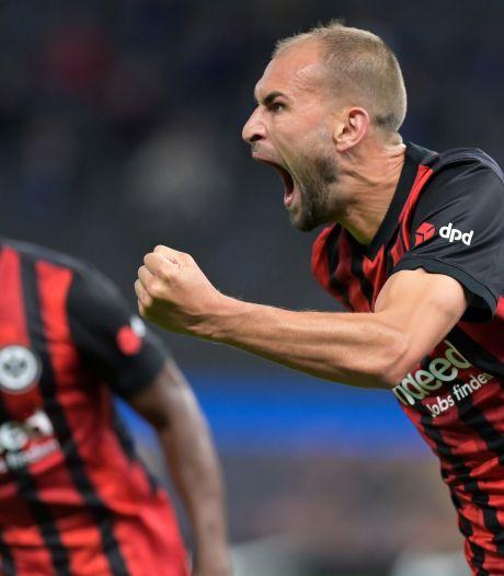 Scorende Dost helpt Eintracht aan zege op Hertha van Zeefuik