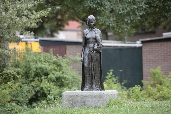 Beeld van keizerin Maria van Brabant, de eerste vrouwe van Helmond.