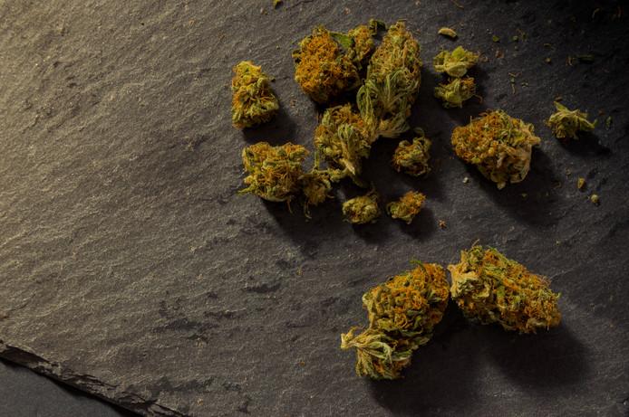 La petite fille était régulièrement envoyée par sa mère pour lui acheter du cannabis. (illustration)