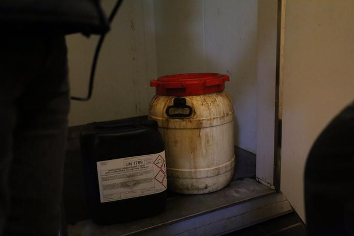 In garageboxen op de hoek van de Princessenlaan en de Hertog Jan I laan in Eindhoven is een drugslab gevonden