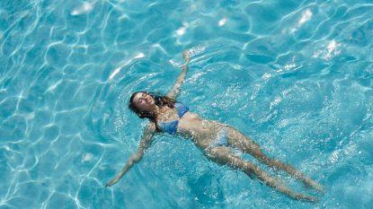 Fit op vakantie: sporten doe je langs en in het zwembad