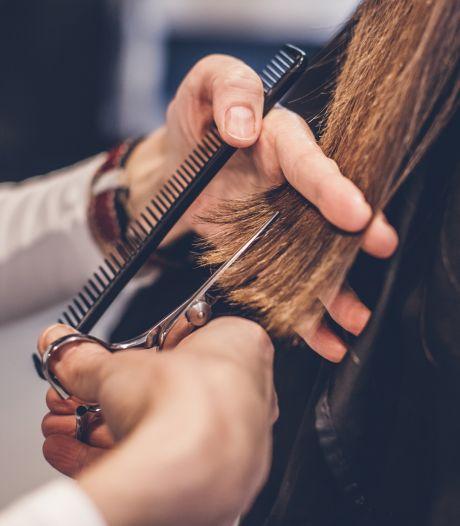 Ni le masque FFP2 ni le test ne seraient imposés aux coiffeurs