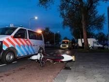 Motorrijder breekt been na aanrijding met bestelbusje in Tilburg