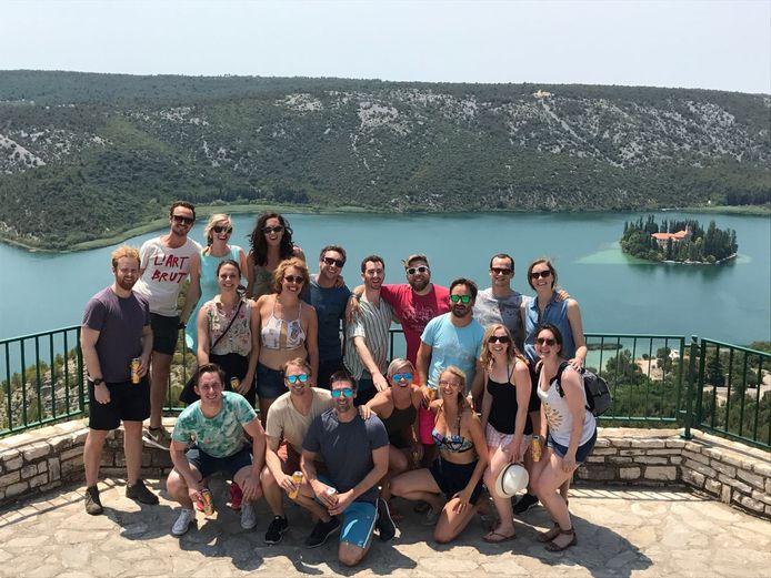 Groepsfoto van een trip naar Servië in de zomer van 2017.