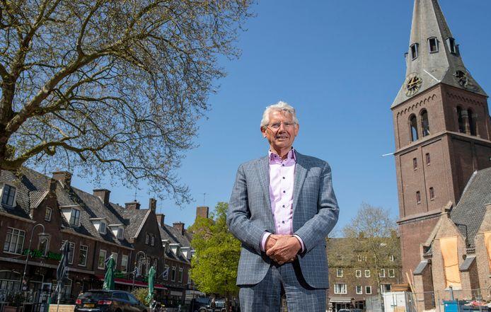 Toon van Asseldonk, voormalig burgemeester van Overbetuwe.