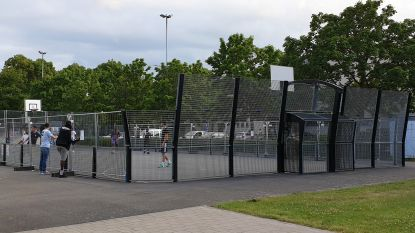 Gemeente omheint voetbalkooi: Alleen wie gereserveerd heeft, mag ze voortaan gebruiken