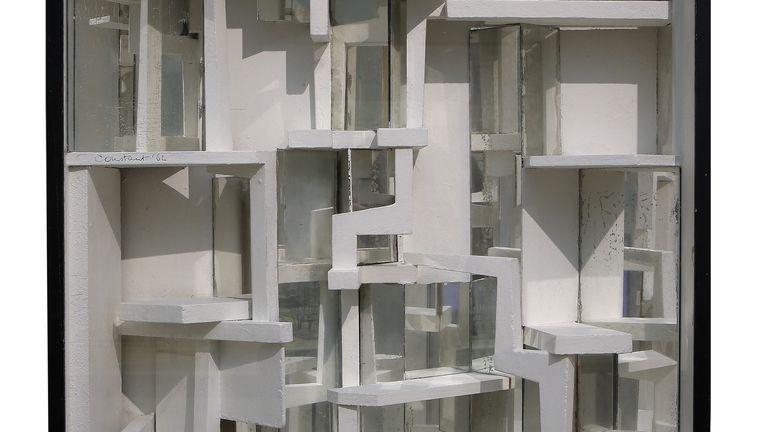 Diorama II (1962) uit het toekomstproject New Babylon van kunstenaar Constant Nieuwenhuys. Beeld Gemeentemuseum Den Haag