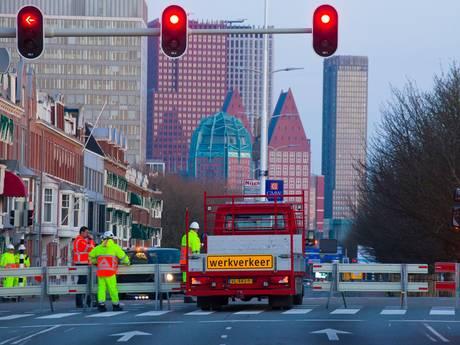 25  verkeersregelaars ingezet nu Raamweg en Koningskade dicht zijn