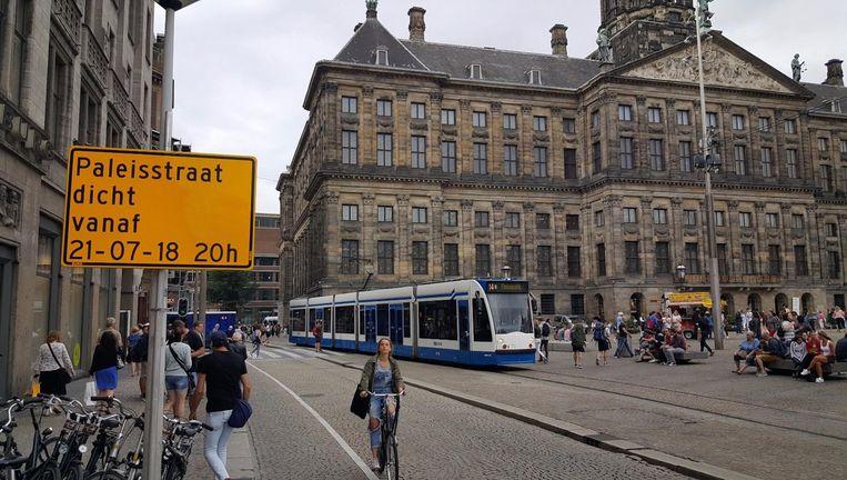 Er is straks geen doorgaand verkeer meer mogelijk door de Paleisstraat. Beeld -