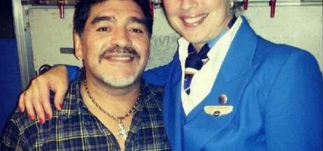 Stewardess Joyce deed haar schoenen uit en Diego ging op zijn tenen staan: 'Enorm gelachen'