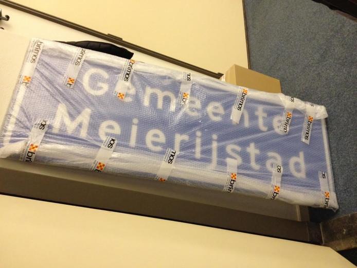 Borden van de gemeente Meierijstad zijn nog ingepakt.