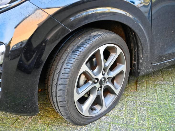 Meerdere autobanden lek gestoken in Dommelen