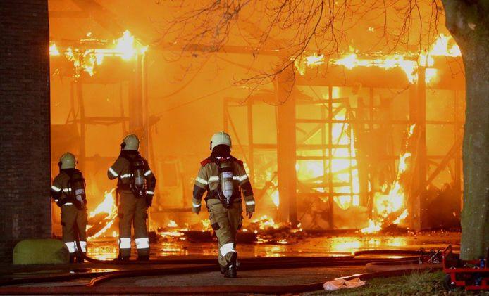 De brand woedde vrijdagnacht.