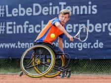 Jarige tennisclub De Horst in Helmond wil Niels Vink naar de Paralympische Spelen helpen
