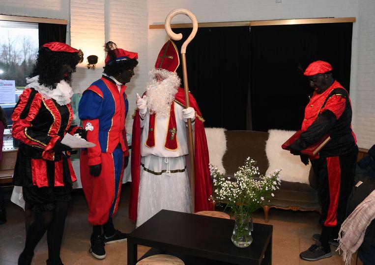 Sinterklaas op bezoek in de Blauwmolen in Holsbeek.