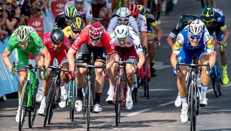 Finish van de zesde etappe in Troyes Beeld Klaas Jan van der Weij / de Volkskrant