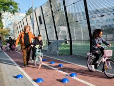 Wethouder geeft startschot voor fietsles op Schiedamse basisschool