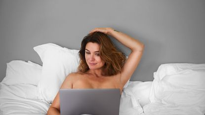 """Alweer een nieuwe docuserie met EviHanssen: """"Een reeks over porno? Mijn zonen keken me raar aan"""""""