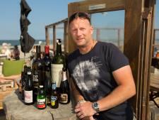 Wilfred van Leeuwen combineert strandpaviljoen en voetbalveld