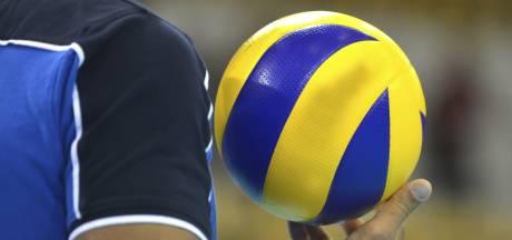 Volleybalsters van BOK en Stevo zijn klaar voor hun onderlinge derby