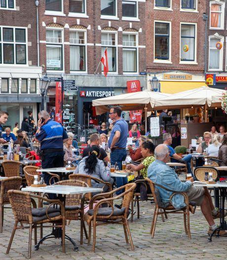 Moeten de uitgebreide terrassen op de Markt blijven? 'Ik kan niet bedenken waarom je dit niet zou willen'