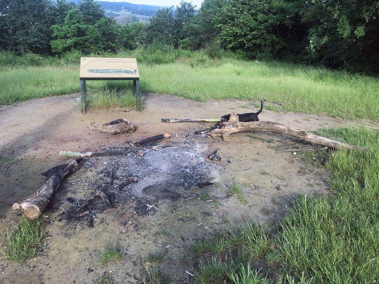 Boven op de Kesselberg werd onlangs een barbecue gehouden, met alle gevolgen van dien.
