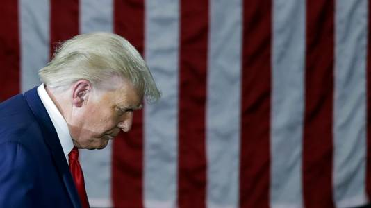 Amerikaans president Donald Trump tijdens een bezoek aan de Whirlpoolfabriek in Ohio, eerder deze week. De president deed er onder meer zijn beklag over de waterdruk in Amerikaanse badkamers.