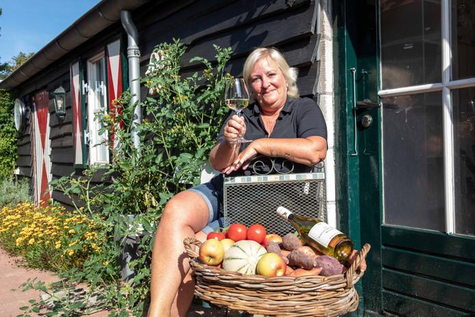 Paula Czechowski; start een huiskamer restaurant in Tholen; 2019;