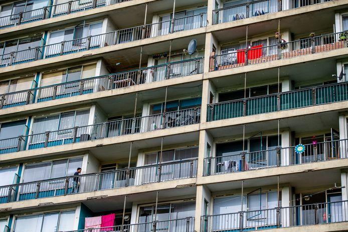 De situatie in een flat aan de Dirk de Derdelaan leidde eerder al tot Kamervragen.