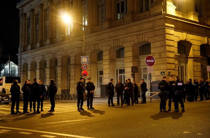 Opération de police dans la nuit du 8 au 9 mai aux abords de la Gare du Nord à Paris.