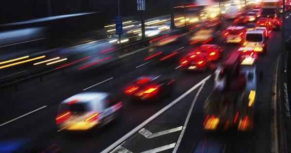 Lange files in ochtendspits na ongelukken op A59 en A58.