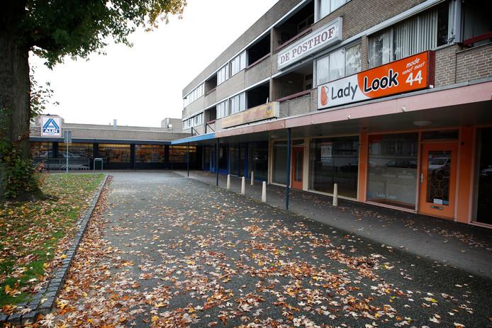 Beeld van De Posthof toen de Aldi er nog zat. In 2014 ging de winkel dicht.