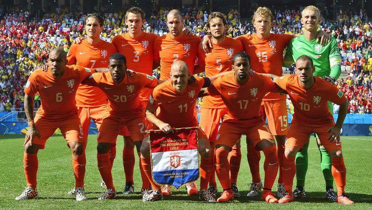 Het Nederlands elftal voorafgaand aan de wedstrijd Nederland-Chili. Beeld anp