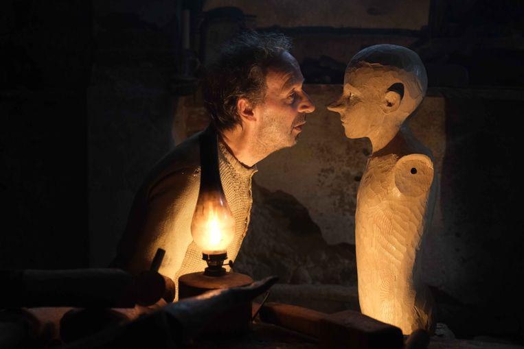 Roberto Benigni in Pinocchio.  Beeld