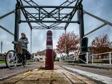 Tientallen gevaarlijke paaltjes op fietspaden verdwijnen in Raalte, andere plekken krijgen ribbels op het wegdek