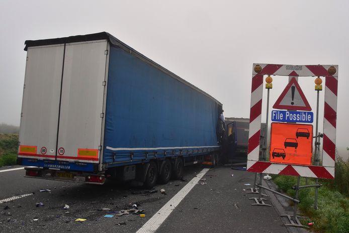Het ongeval gebeurde langs de E403 in Bellegem, uitgerekend op de plek waar mogelijke files staan aangekondigd.