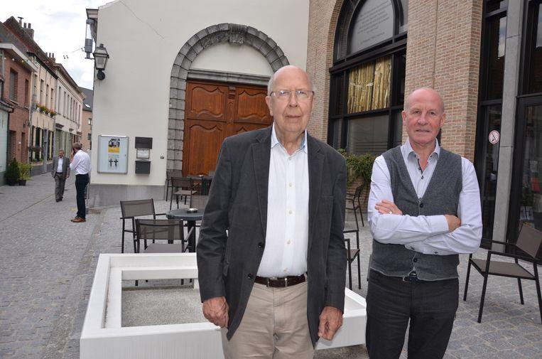 Van Campenhout samen met oud-gouverneur Herman Balthazar die in 1988 mee het Lokers stadsarchief opende in de Torenstraat.