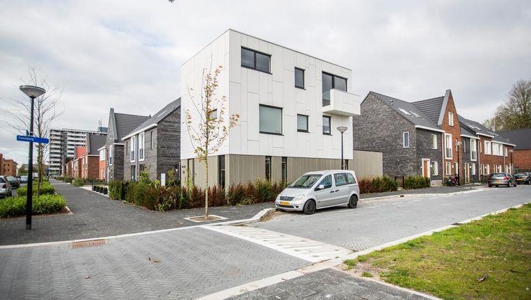 Het woonwijkje Emerald in de E-buurt omvat 170 voor Zuidoost atypische laagbouwwoningen Beeld Eva Plevier