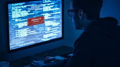 Politie Westkust waarschuwt voor phishing: weer twee inwoners gepluimd