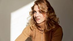 """""""Ik zou niet zomaar een seksscène doen"""", actrice Charlotte De Bruyne (29) uit 'De Twaalf' nu in NINA"""