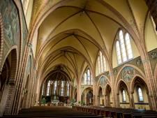 Bibliotheek Oldenzaal in Antoniuskerk, niet in Vijfhoek