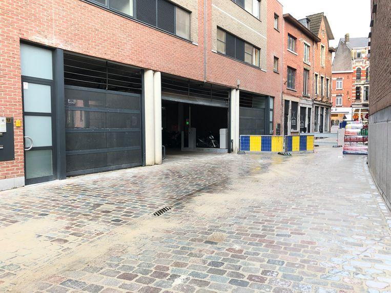 De Parking van Delhaize Denon is terug bereikbaar